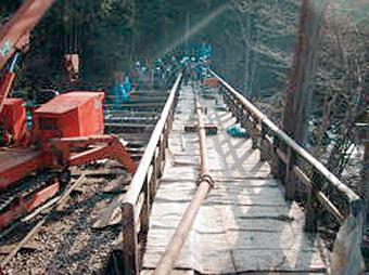 長距離圧送 赤沢橋台打設