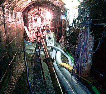 特殊圧送 導水路トンネル補修工事